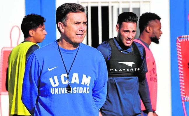 Campos apuesta por un UCAM «dominador» y fuerte en La Condomina