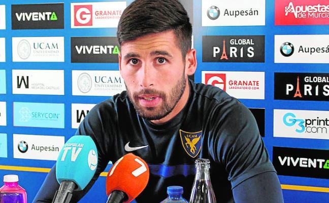 Dani Pérez: «Solo pensamos en ganar al Mérida, no en entrar en el 'playoff'»
