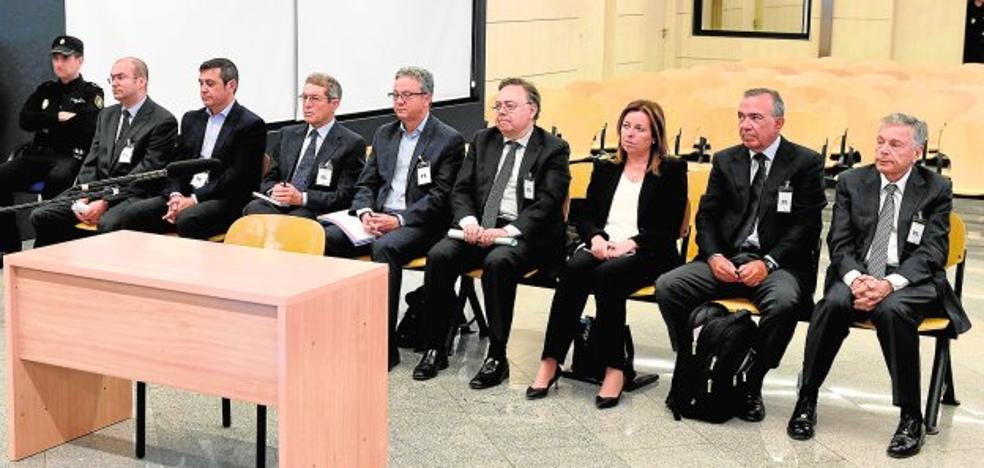 La antigua cúpula de CAM busca expulsar del juicio a los afectados por sus cuotas