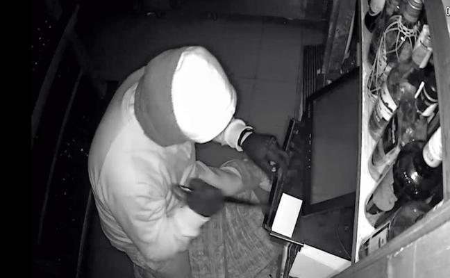 Un preso asaltó bares y comercios de La Manga durante sus permisos