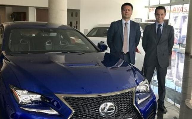 Lexus Murcia invita a sus clientes a probar los vehículos más exclusivos