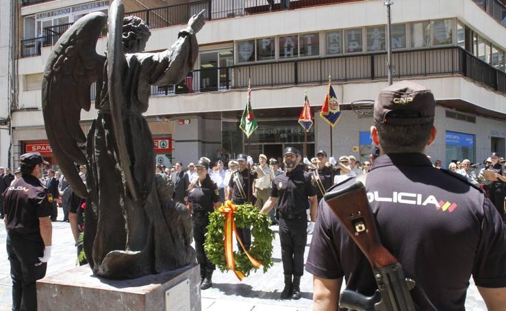 La Cofradía California entrega un guión a la UPR de la Policía Nacional