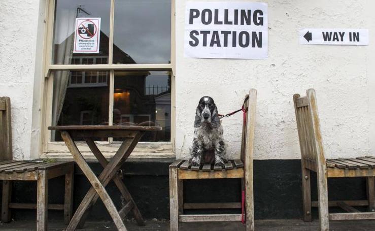La jornada electoral británica, en imágenes