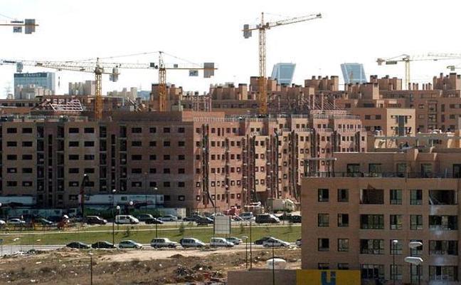 La compraventa de viviendas cae un 8,6% en abril tras catorce meses consecutivos al alza