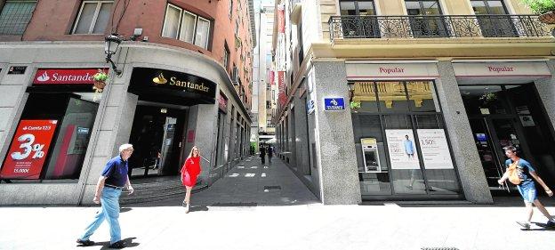 En busca de los afectados del popular la verdad for Oficinas banco santander murcia