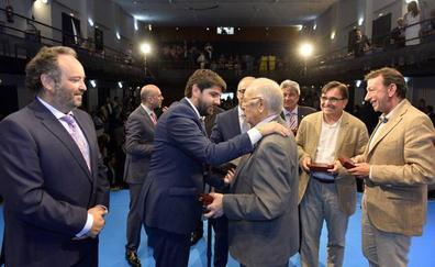 López Miras apela a desterrar «las prácticas indignas y las acusaciones sin fundamento»
