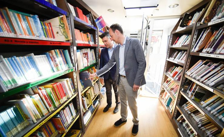 Los 'bibliobuses' llevarán 75.000 libros a zonas turísticas