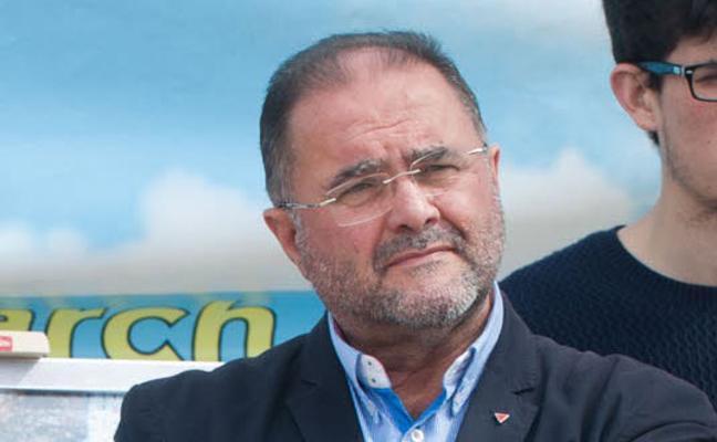 Cánovas renuncia al cargo de regidor recordando su lucha contra el cáncer