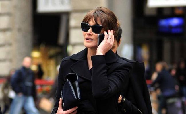 Carla Bruni niega su romance con Donald Trump