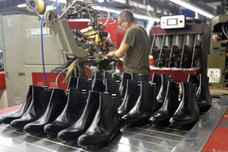La exportación de calzado murciano sufre su primer bache tras una década de expansión