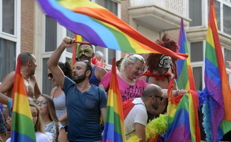 Cartagena desfila por los derechos LGTBI+