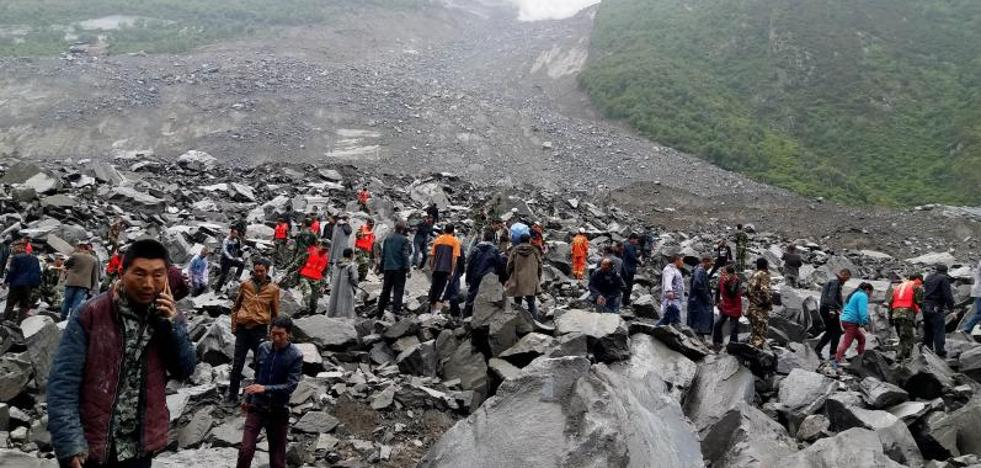 Un deslizamiento de tierra deja al menos 120 desaparecidos en China