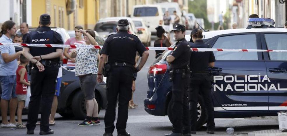 Muere una mujer en una reyerta doméstica en Sevilla