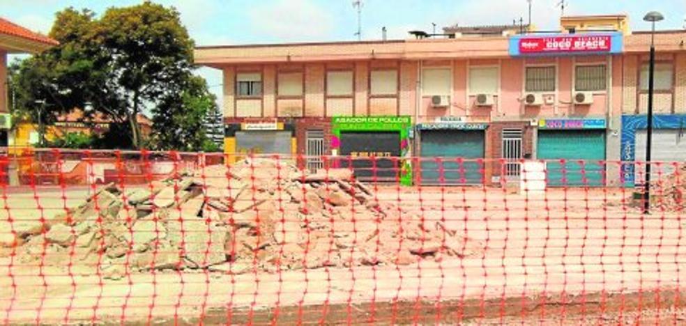 La remodelación de Punta Calera en verano enfada a los comerciantes