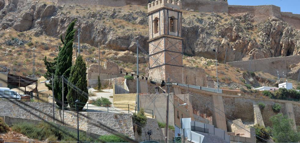 El mallado del macizo rocoso del castillo se ampliará para evitar la caída de piedras