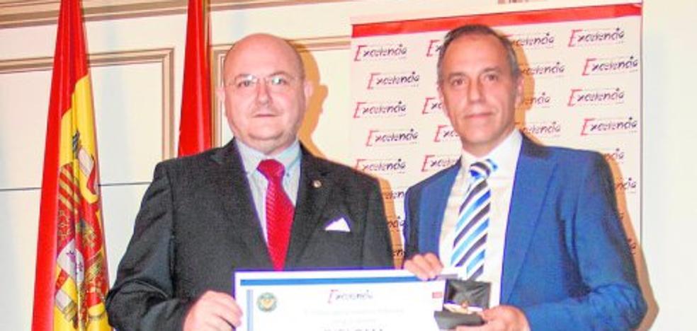 Muebles Montiel recibe la Estrella de Oro del Instituto para la Excelencia Profesional