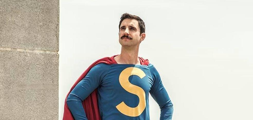 Dani Rovira ya luce la capa de Superlópez
