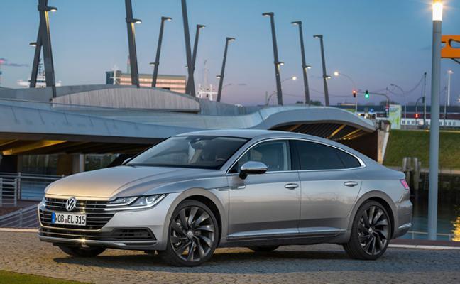 Volkswagen revoluciona las berlinas 'fastback' con el nuevo Arteon