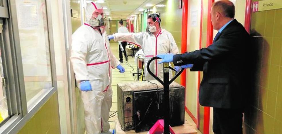 El fuego en el Morales se originó en el horno de un laboratorio y se avivó con disolventes