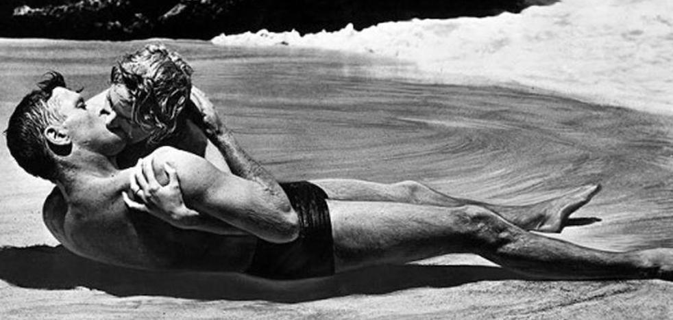 ¿Qué podría pasar si tuvieras sexo en la playa?