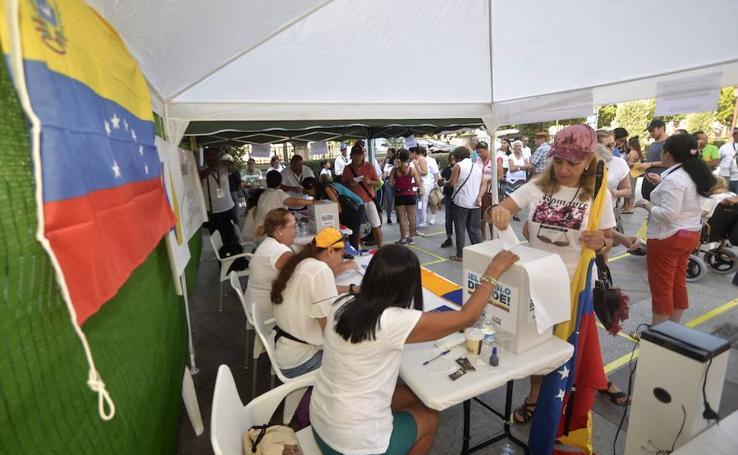 Los venezolanos residentes en Murcia se suman al pebliscito contra Maduro