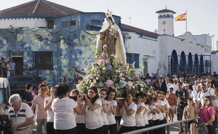 Procesión marinera en Santa Lucía