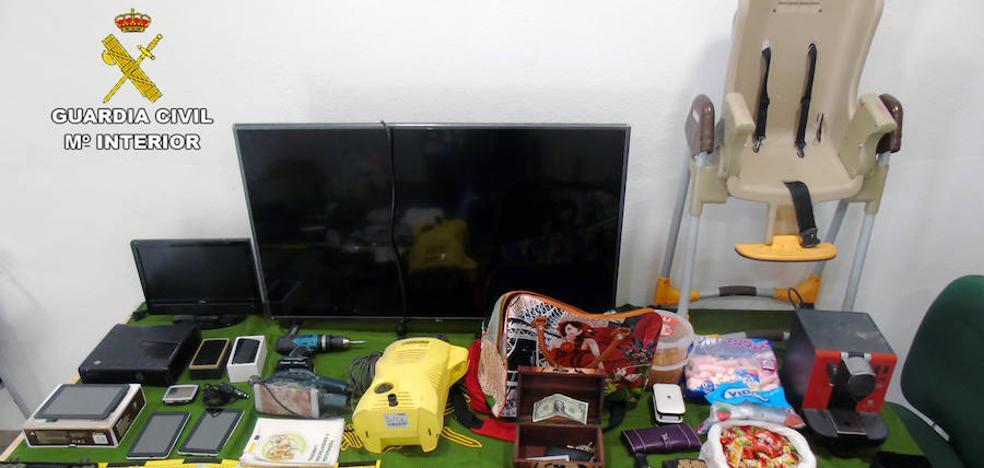 Tres arrestados por robos en viviendas y comercios de Bullas