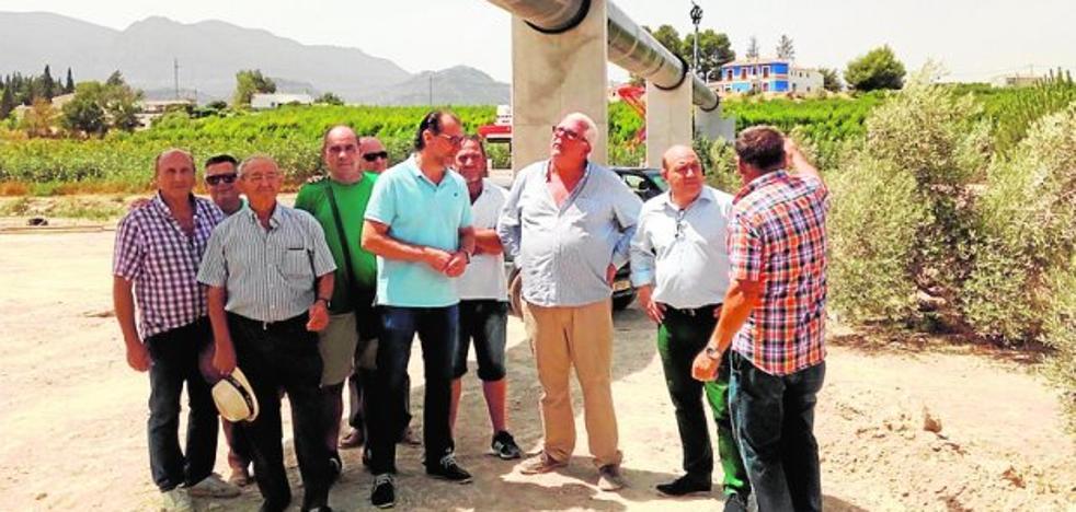 Una tubería helicosoldado mejora el riego en la comunidad de El Horno