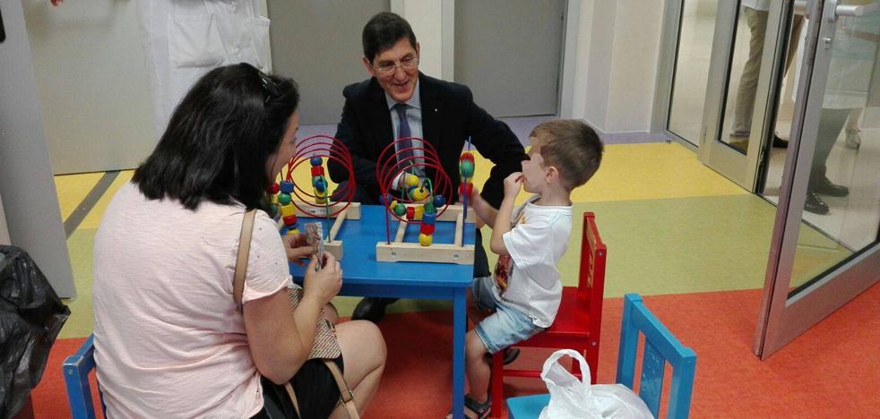 El nuevo policlínico infantil de La Arrixaca dispone de 58 consultas y zona de juegos