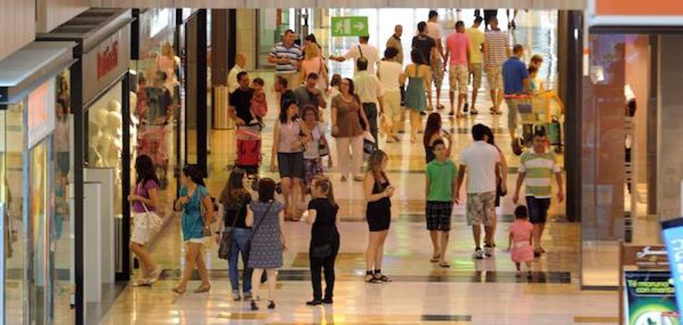 Los grandes distribuidores rechazan la propuesta de apertura de festivos del Ayuntamiento de Murcia