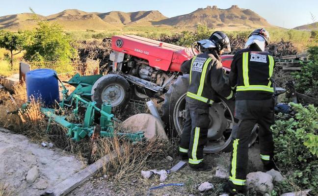 Muere al ser atropellado por un tractor mientras trabajaba en Jumilla