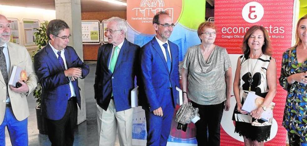 Visita del presidente de Liberbank a la Universidad