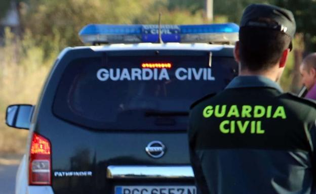 Detenido por intentar sobornar con 100 euros a un Guardia Civil