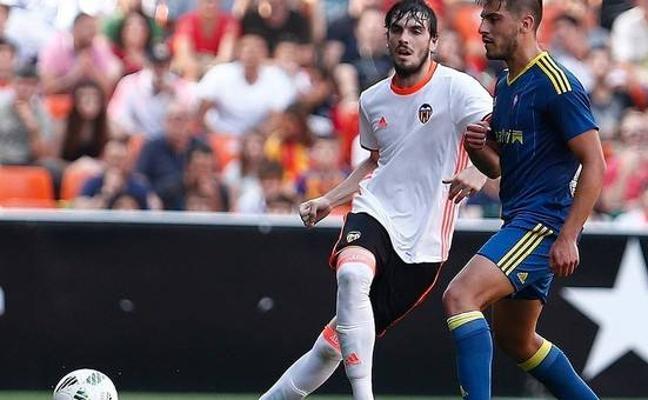 Eugeni, segundo jugador del Valencia Mestalla al servicio del Lorca FC