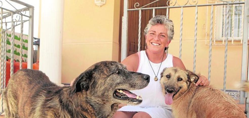 Inmaculada Pelegrín: «Sí, sí, a mí me encanta que me engañen»
