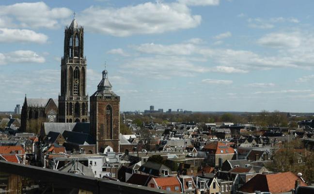Utrecht, urbe histórica y monumental situada entre canales