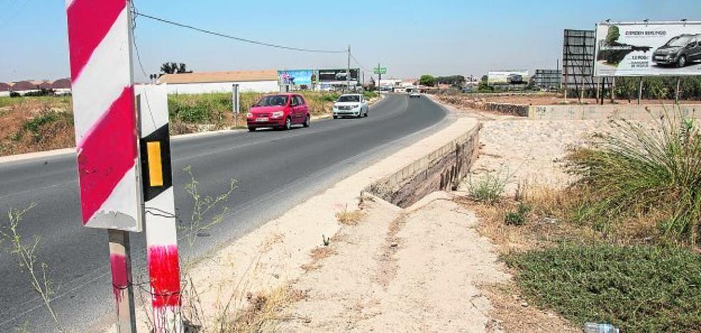 Los vecinos alertan del riesgo de accidentes cerca de Los Patojos y en el Camino del Sifón