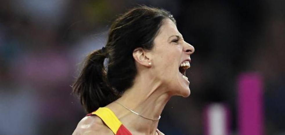 Ruth Beitia sufre para entrar en la final de salto de altura