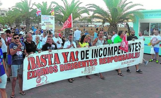 Los policías de Mazarrón reclaman el pago de las horas extra