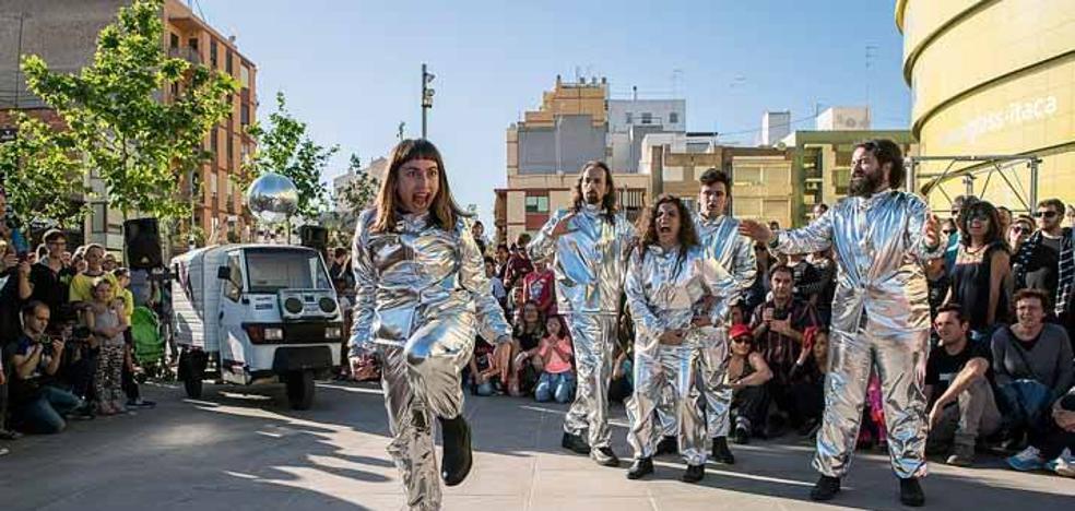 Espectáculo de calle 'Odisea '80'