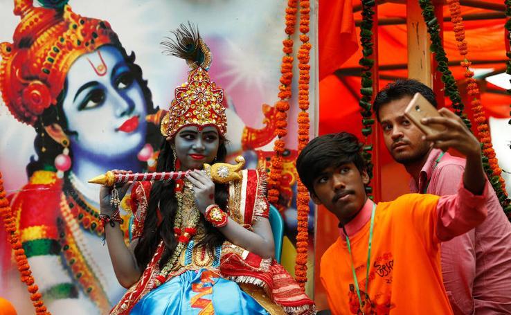 Divino cumpleaños en India y Bangladesh