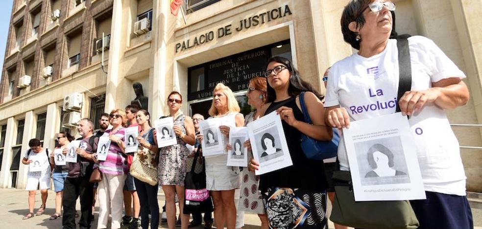 Piden en Murcia que se reconsidere el caso de Juana Rivas