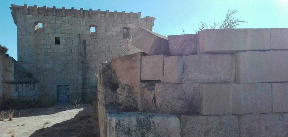 Multados los propietarios del Castillo de Mula por descuidar la conservación del monumento