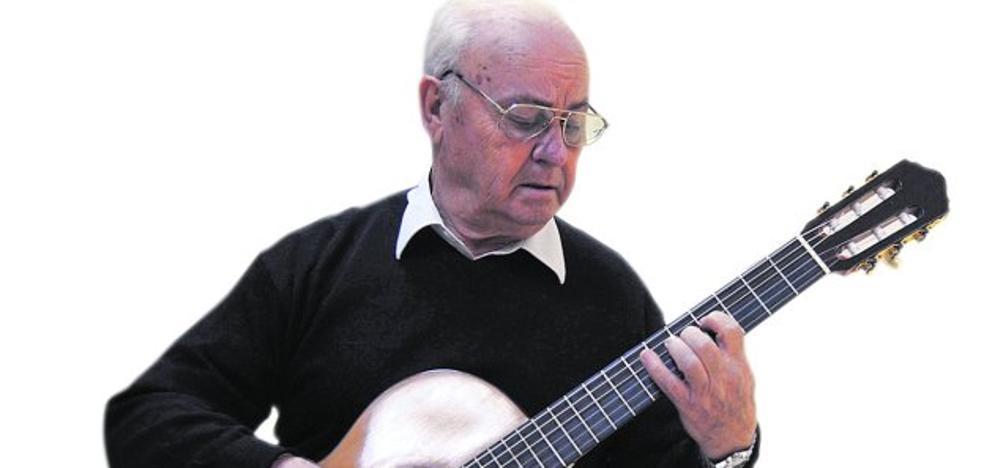 «La guitarra es el segundo instrumento que más se toca en todo el mundo»