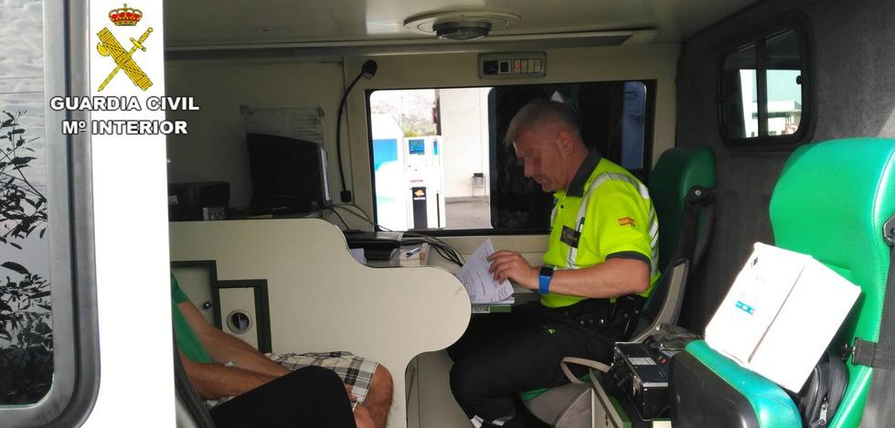 Detenido un conductor kamikaze ebrio tras provocar un accidente en La Manga