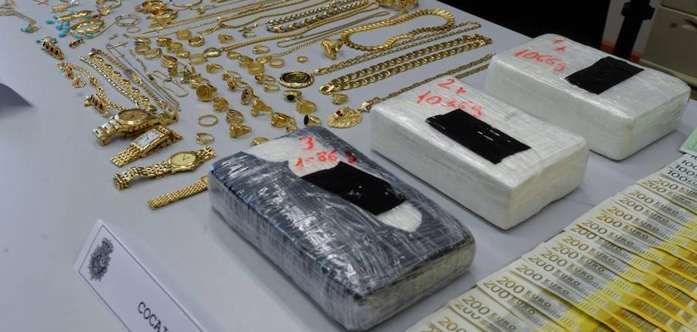 Detienen a tres personas y decomisan cocaína, oro y dinero en efectivo en Cartagena