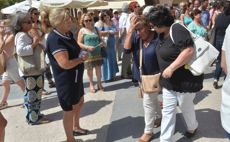 Concentración en Lorca en memoria de Catalina
