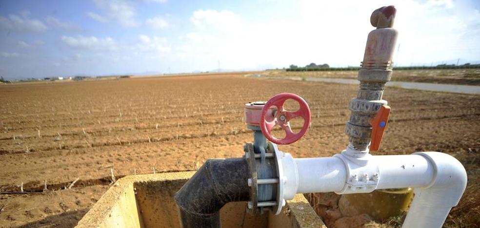 Los agricultores critican la «persecución» de la CHS en el Campo de Cartagena