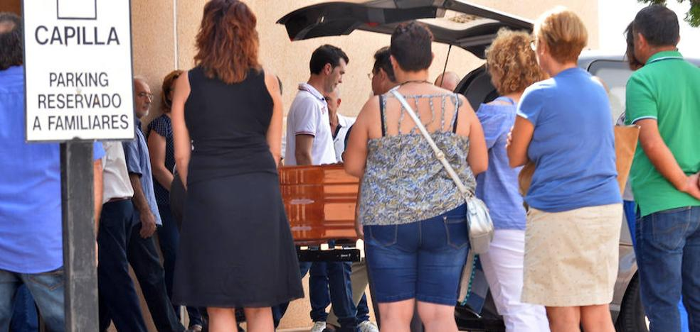 Lorca ofrece un multitudinario adiós a Cati