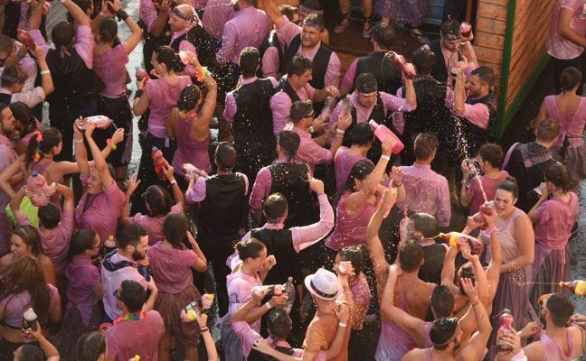 Más de 100.000 almas maceradas en vino en la Gran Cabagalta